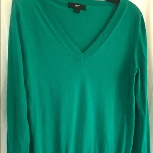 Mossimo v neck green sweater